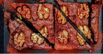 Nut brownie - delicious and easy